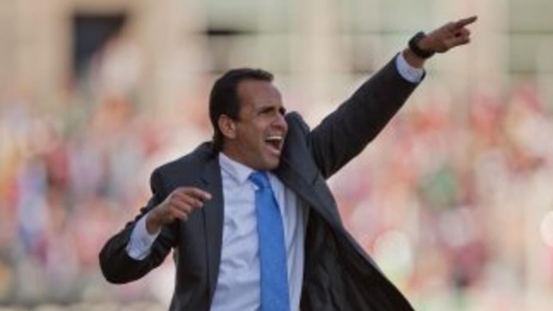 El DT colombiano y leyenda del FC Dallas Oscar Pareja