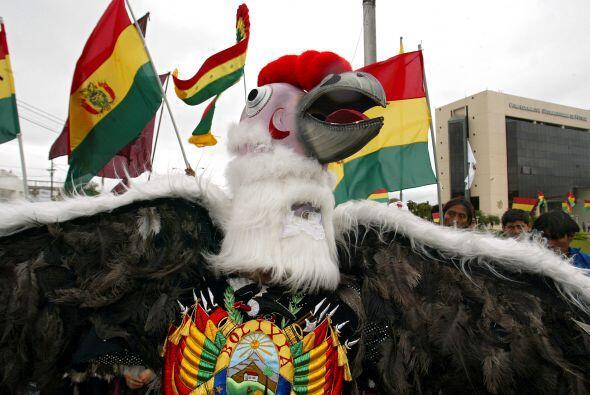 En tanto la federación boliviana y el propio Evo continúan...