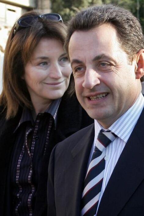 Nicolas Sarkozy: A un mes de que se volviera el presidente de Francia, S...
