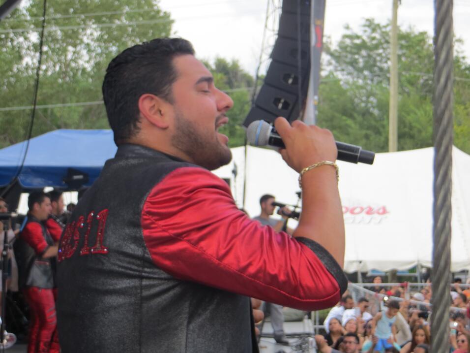 Banda MS puso a todos los asistentes de Fiestas Patrias 2015 a mover el...