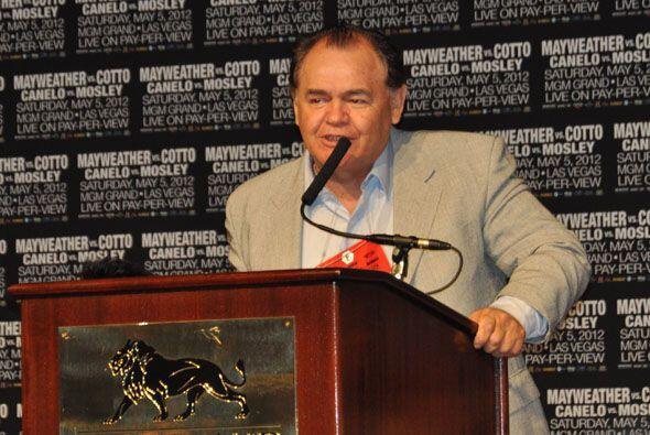 Antes de que hablara el 'Canelo' Jose 'Chepo' Reynoso, su manejador,  so...
