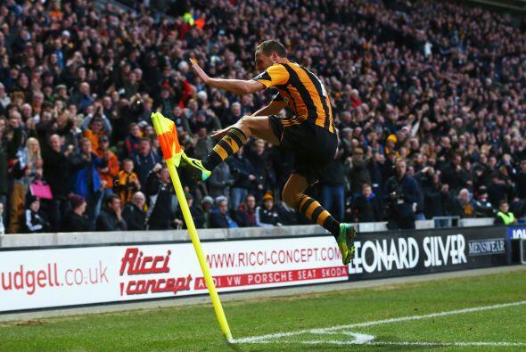 Los que sí estuvieron finos fueron los del Hull City. David Meyle...