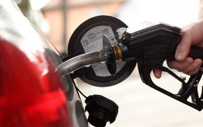 Anuncian iniciativa para aumentar 12 centavos por galón de gasolina en C...