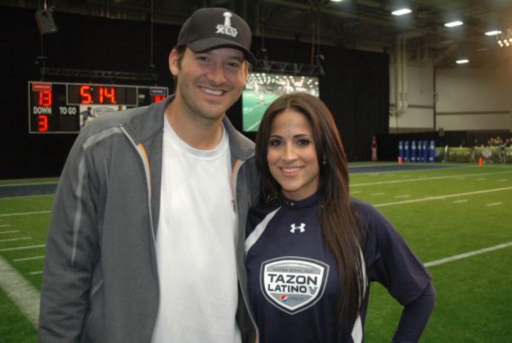 Tony Romo y su estrella Jackie Guerrido posaron para la cámara.