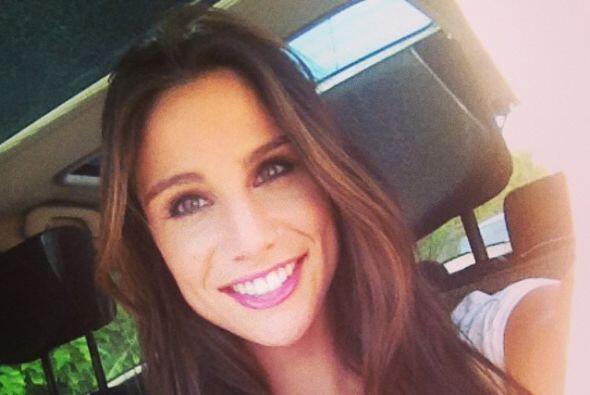 Ahora entendemos porqué Lucía no deja de sonreír, ¡está muy enamorada!