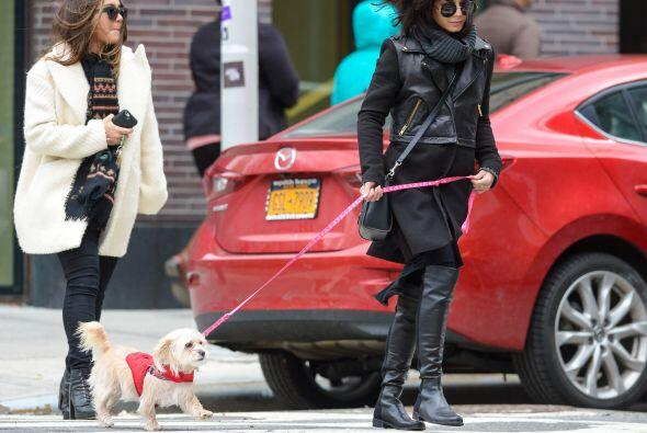 Muy fashionista, la actriz paseó por las calles de Nueva York.