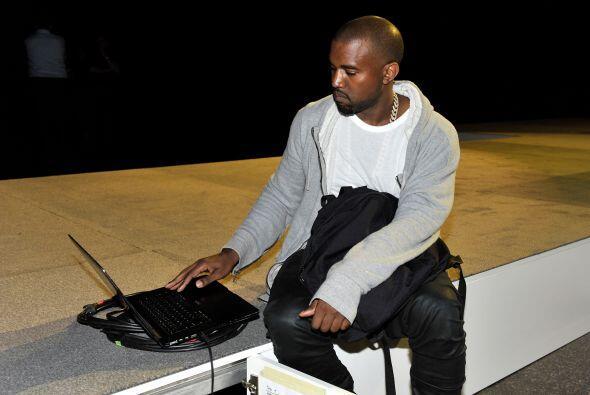 Pero además, la cantante se asoció con el rapero Kanye West para el lanz...