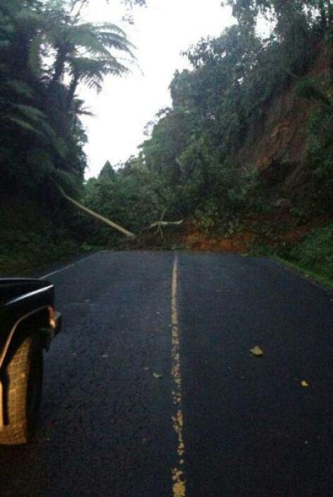 Reportan derrumbe en carretera de Colomba a Quetzaltenango. Fotos Twitter
