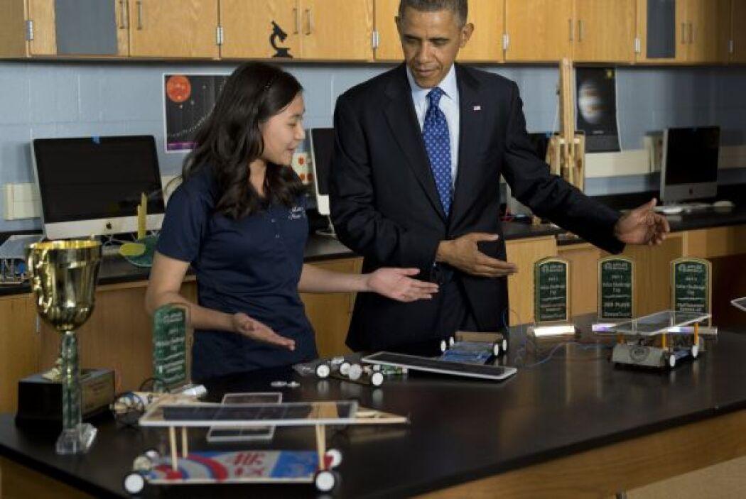 Durante su visita a la preparatoria tecnológica de Manor, el Presidente...