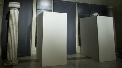 Roma cubre obras de arte de desnudos por la visita del presidente iraní
