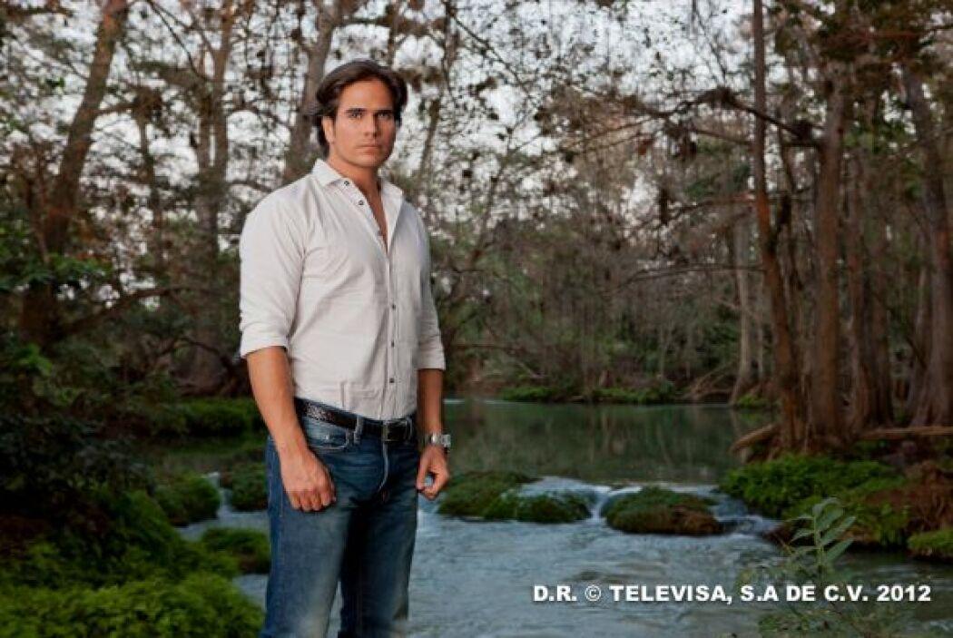 Daniel Arenas también quiere llevarse este TVyNovelas a su casa por su t...