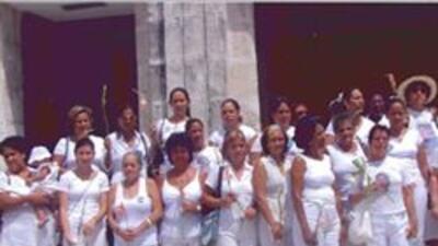 Marchan las Damas de Blanco