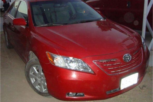 También un auto Toyota con placas de circulación de San Lu...