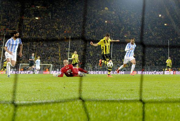 Y llegó el empate con este gol de Robert Lewandowski.