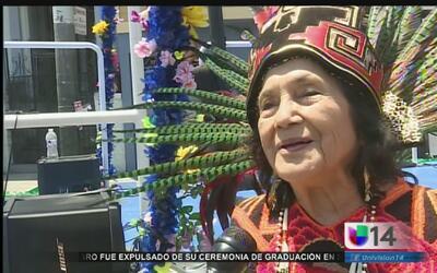 Dolores Huerta llama a la participación social en el Carnaval