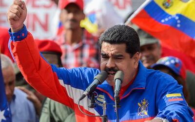 Presidente Nicolás Maduro calificó como un golpe parlamentario el juicio...