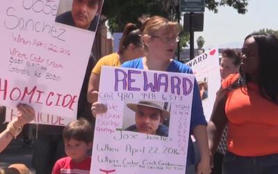 Marcha en pro de las víctimas del crimen en Glendale