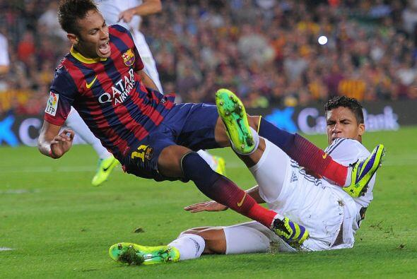 Varane jugó en el centro de la defensa del Madrid junto a Pepe.