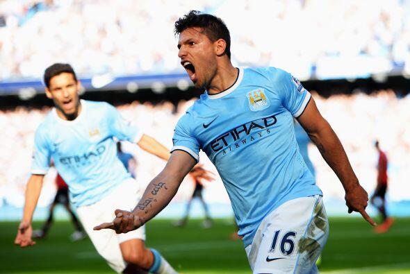 Al minuto 16 llegó el primer gol del partido, obra de Sergio Ag&u...
