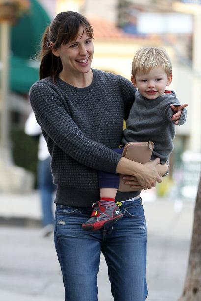 Por su parte, Jen estaba con el pequeño Samuel. Mira aquí...