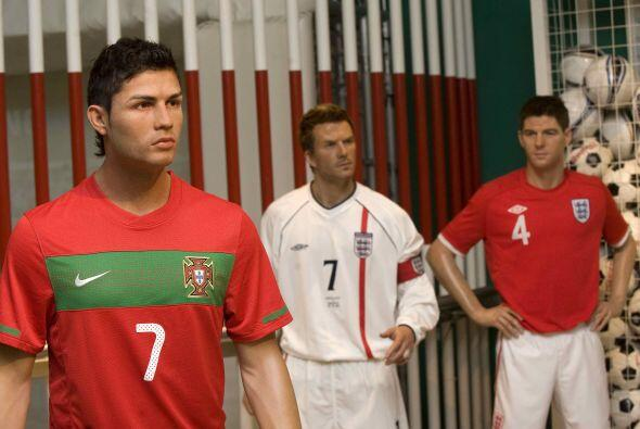 Cristiano Ronaldo se unió a David Beckham y Steven Gerrard como los futb...