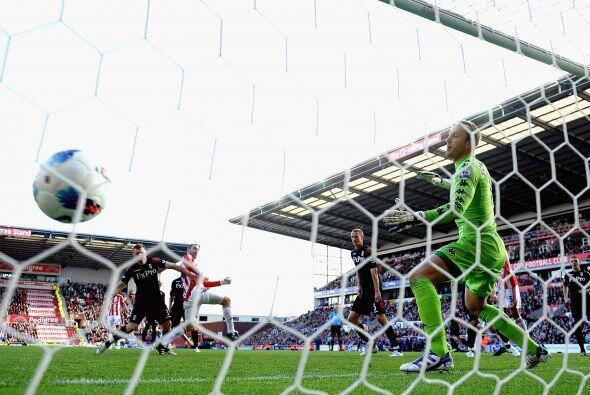 Jonathan Walters y Rory Delap fueron los autores de los goles.