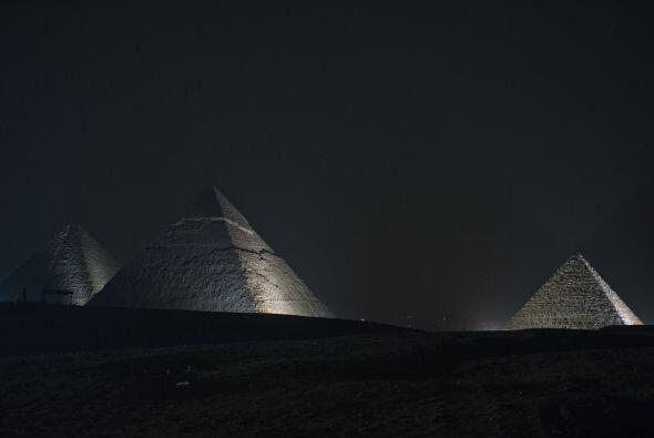 Parece ser que la configuración de la pirámide produce un...