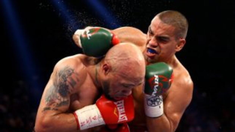 Ishe Smith y Carlos Molina ofrecieron una pelea lenta y magullera.