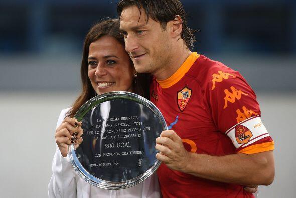 Pero resulta que Francesco Totti también recibió uno de estos platos, au...