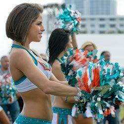 Samantha también se divirtió con el partido entre ex jugadores de la NFL...