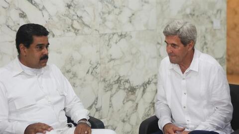 Nicolás Maduro y John Kerry