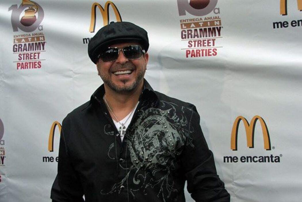 Esta es la sonrisa de cinco nominaciones al Latin GRAMMY, Luis Enrique.