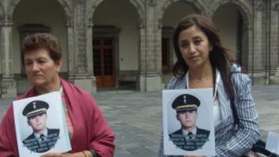A la reunión de Felipe Calderón y Javier Sicilia asistieron familiares d...