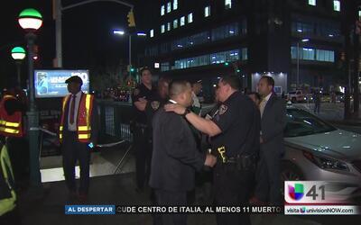 Buscan a hombres que atacaron con una navaja a un hombre en el metro en...