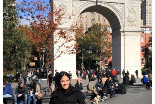 Karla Martínez disfutando de un hermoso día en Nueva York.