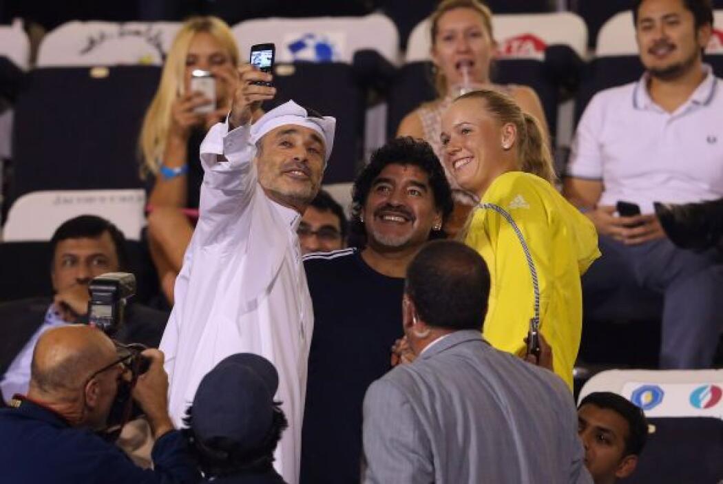 En las tribunas ambos fueron muy accesibles con los aficionados.