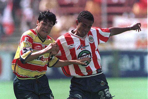Edoardo Isella, el defensor surgió en Guadalajara equipo con el q...