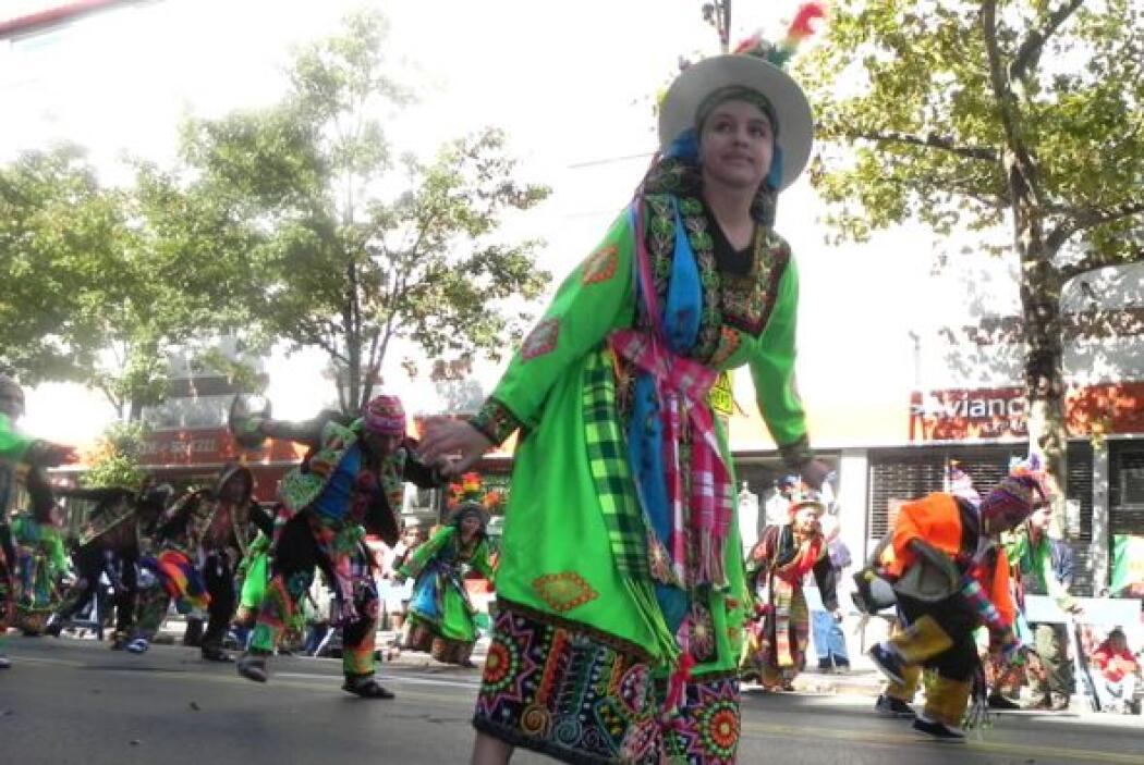 Primer desfile Boliviano de Nueva York b7f51eb129b14d81b4b8164212300f16.jpg