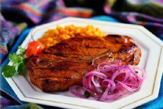 Cerdo adobado: Un adobo de ajo, cítricos y especias picantes, puro sabor...