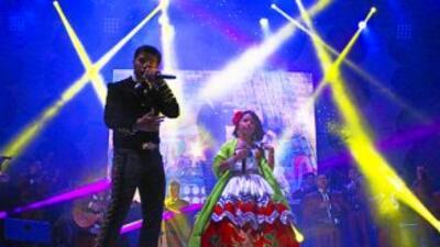 Angela y Leonardo Aguilar dieron un show de más de una hora durante las...