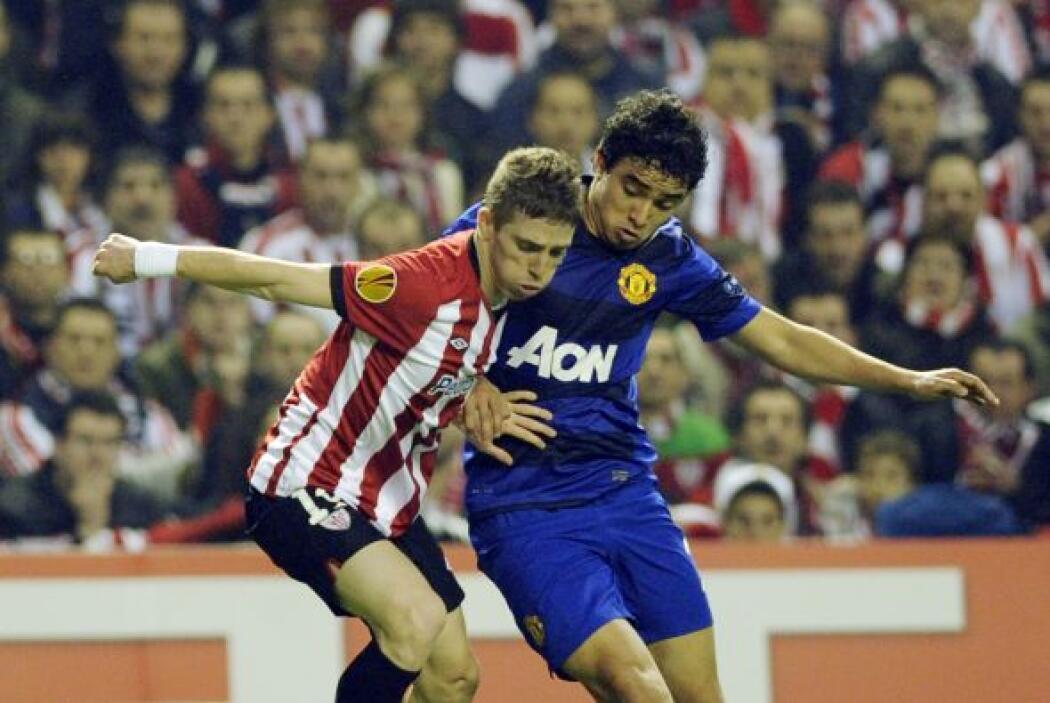Incluso, los españoles estaban cerca del segundo gol. Ferguson hizo un p...