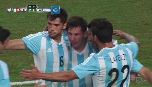 Messi se inventa un gol magistral y Argentina empata a México sobre la hora