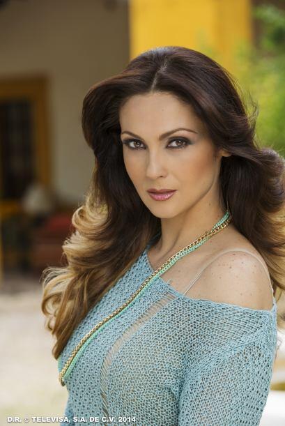 """Nora Salinas es """"Juliana"""", la esposa de """"Norberto"""" y amiga de """"Cristina""""."""