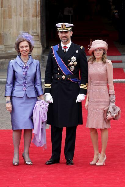 La famila Real española, la Reina Sofía junto al Príncipe Felipe y Leticia.