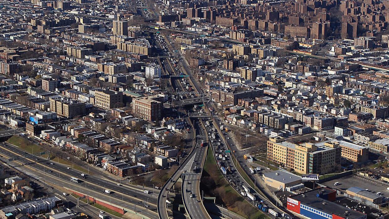 Imagen de archivo del Cross Bronx Expressway. Según un estudio, de las 8...