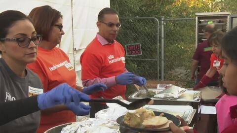 San Bernardino festejó el Día de Acción de Gracias con dos cenas para la...