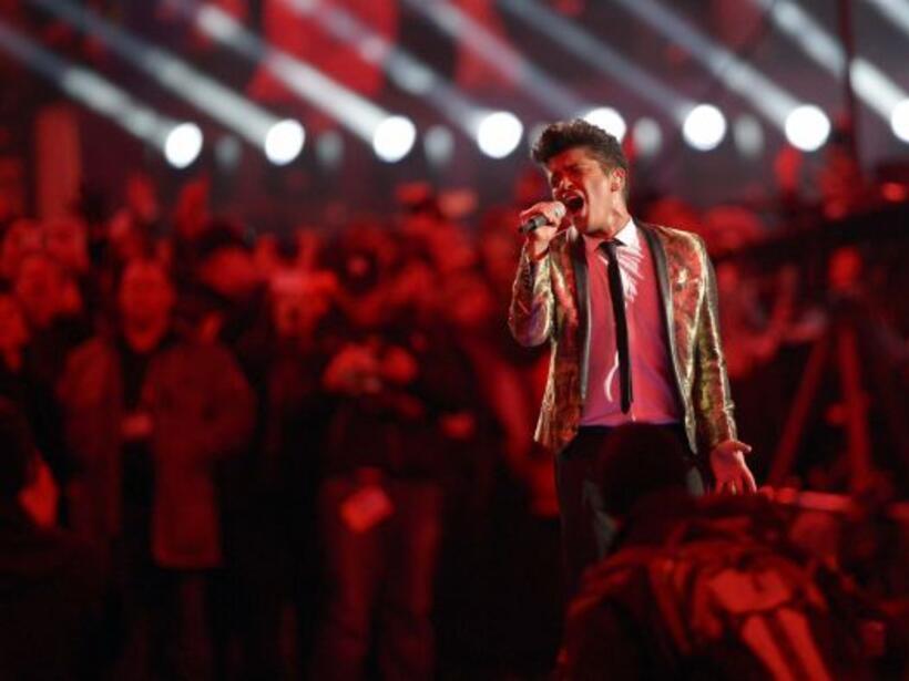 Y siguieron los éxitos de Bruno Mars (AP-NFL).