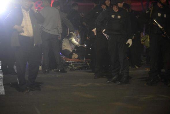Las autoridades dijeron que cinco sospechosos fueron abatidos a tiros pe...