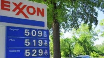 En algunos estados como California y Hawai, el galón de gasolina regular...