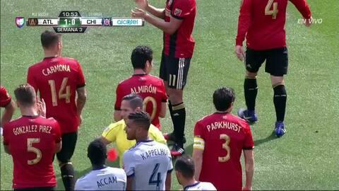 Expulsión!! El árbitro saca la roja directa a Johan Kappelhof